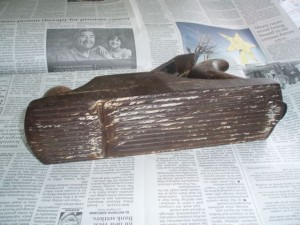 The sole of the plane prior to restoration. These planes came with both smooth soles, and corrugated, such as the ones. The corrugated ones are harder to find and much saught after